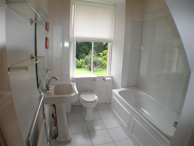 Glen Buckie - Bathroom