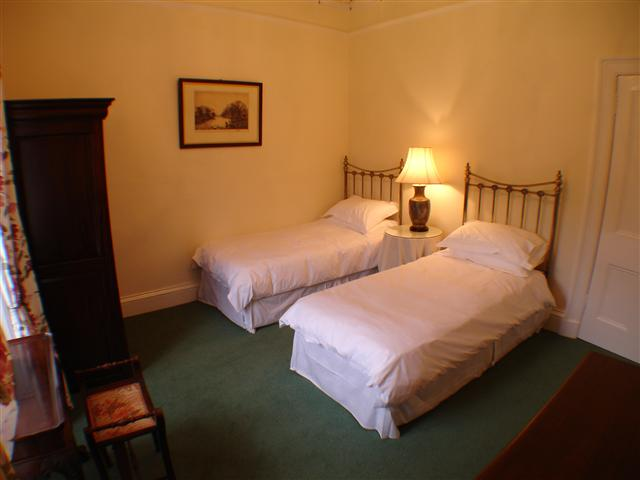 Glen Buckie - Twin Bedroom