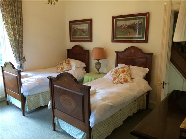 Glen Buckie - Twin Bedroom