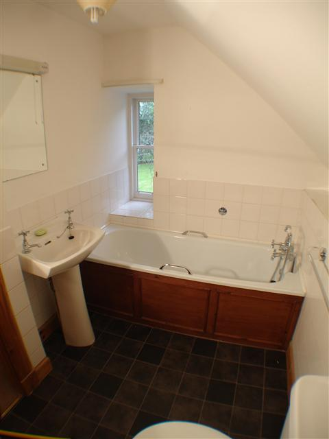 Park Lodge - Twin Bedroom ensuite Bathroom